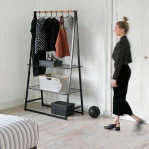 מתלה בגדים עומד צר, שחור LINN ברבנטיה + משלוח חינם